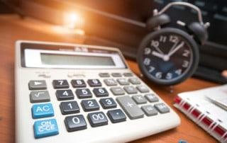 Taschenrechner (Projektabrechnung) und Uhr (Projektzeiterfassung)