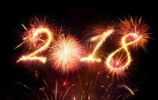Silvester-Feuerwerk mit Schriftzug 2018